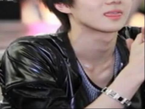 【exo-k组合成员 吴世勋《可爱颂》 高清完整版】 (分享自