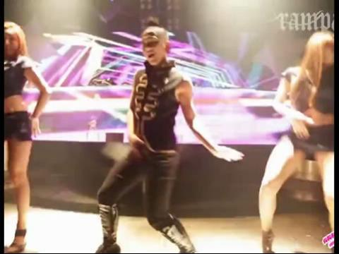 pps视频:韩国夜店众多美女狂欢