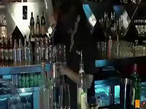 夜店dj热舞酒吧美女dj现场7分45超嗨