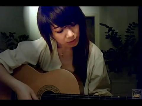美女吉他弹唱北京爱情故事《滴答》