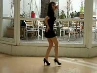 居家美女萝莉性感热舞