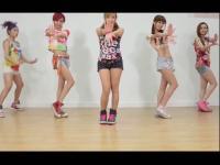 香港美女团搞怪演绎腿舞