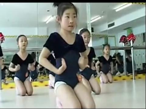 【美女柔术】小美女痛苦练柔术