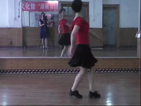 美女广场舞41 在线观看