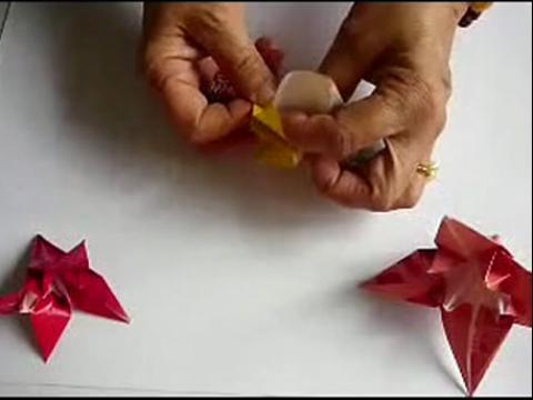 diy折纸视频教程 简单的百合花的折法