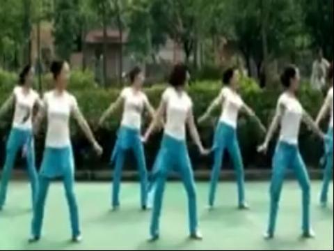 周思萍广场舞 雕花的马鞍(新版)(1)