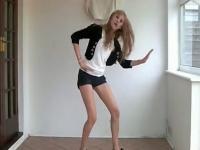 极品黑丝袜美女热舞