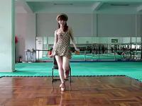 性感美女秀韩国美女性感摇臀舞