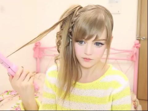 网络红人芭比娃娃dakotakoti最新视频教你扎可爱发型