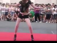 实拍高校美女激情热舞