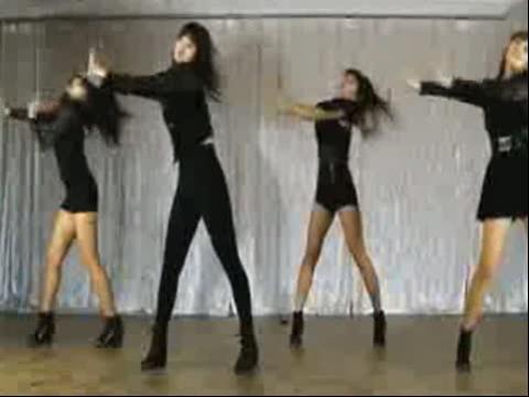 黑衣少女组合舞蹈模仿miss