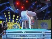 俄罗斯美女zlata比基尼柔术表演