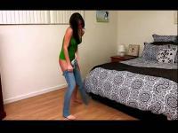 美女屁股被烧焦了『搞笑视频』