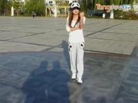 小美女跳鬼步舞视频