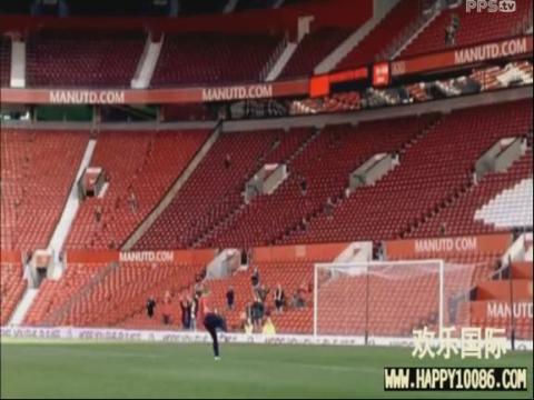 欢乐国际足球体育:超搞笑足球短片C罗的战衣  博狗
