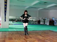 黑丝短袜美女热舞